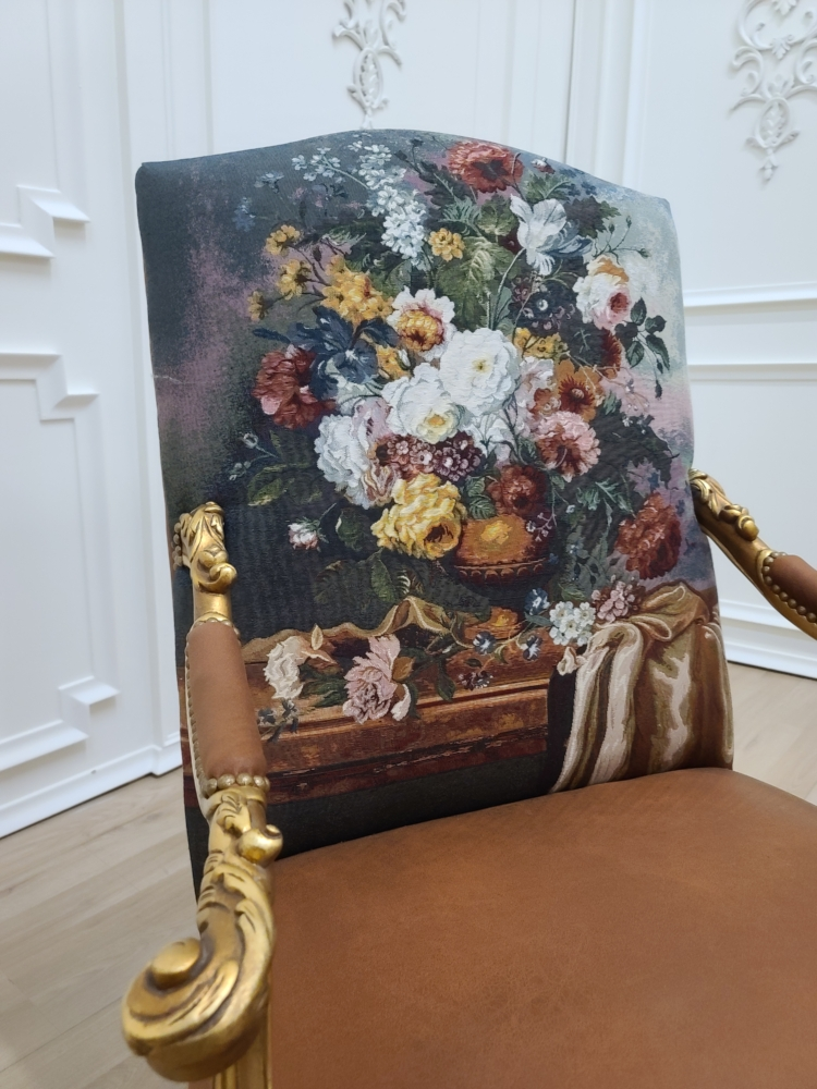 17th century French Style/ Hand carved Wooden Frame/ Suede floral fabric /Living Room Set